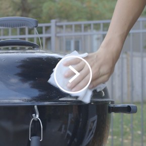 How to clean an outdoor grill with Viva Paper Towels.